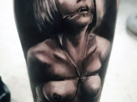 Татуировка связанная девушка