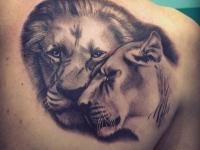 Татуировка лев с львицей
