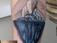 Татуировка белый медведь на айсберге