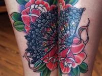 Татуировка веер и розы