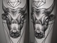 Татуировка бык