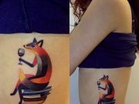 Татуировка лисица на боку