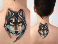 Татуировка волк на шее