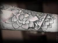Татуировка узор на предплечье