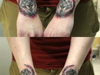 Татуировка алмаз и лотос