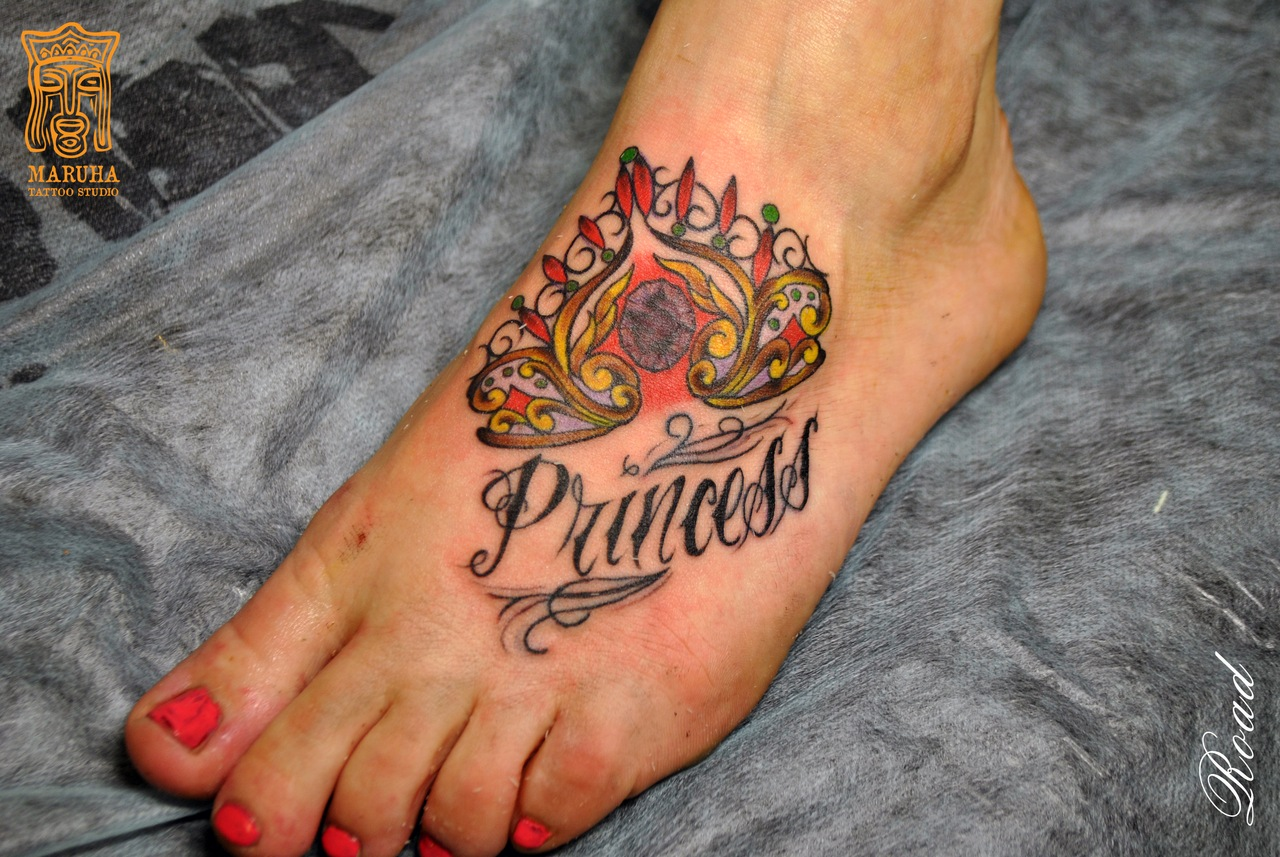 традиционная татуировка. корона. tattoo old school neotraditional
