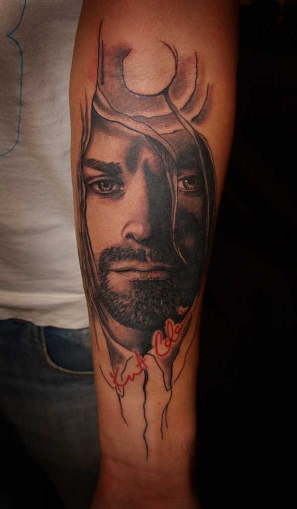 Тату портрет Курта Кобейна. Портрет, тату, художественная татуировка. Tattoo Kurt Cobain, Kurt Cobain tattoo