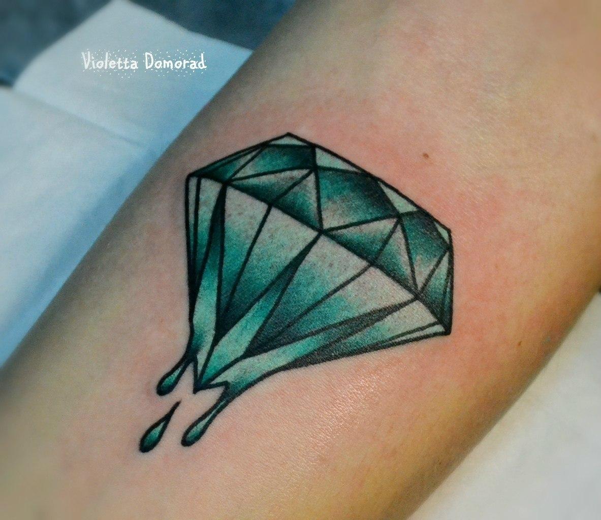 Татуировка камень изумруд. Мастер Виолетта Доморад.