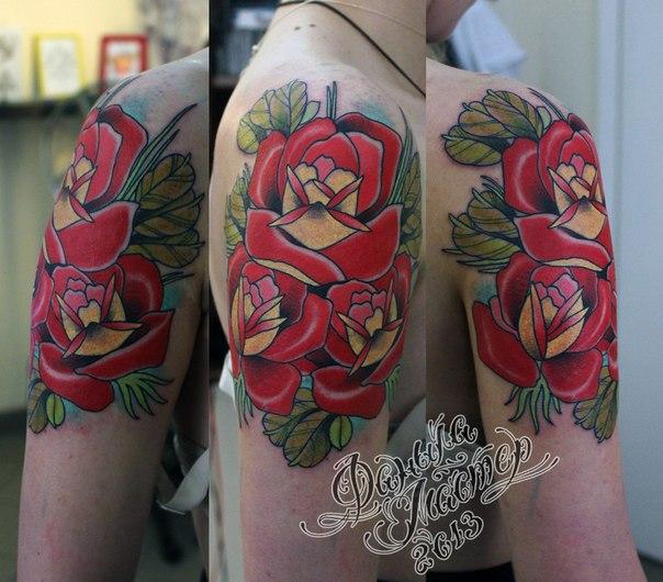 Розы на плече от Данилы-мастера