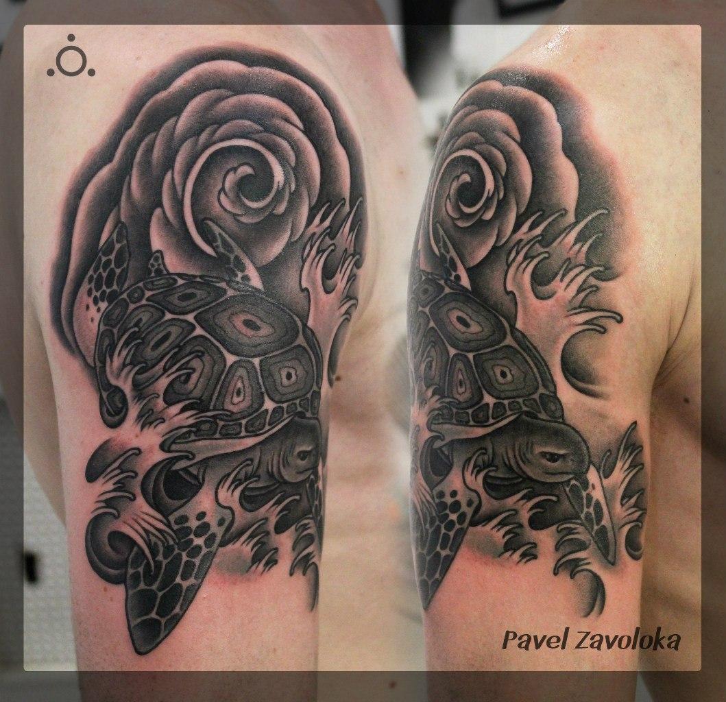 Художественная татуировка «Черепаха». Мастер Павел Заволока.