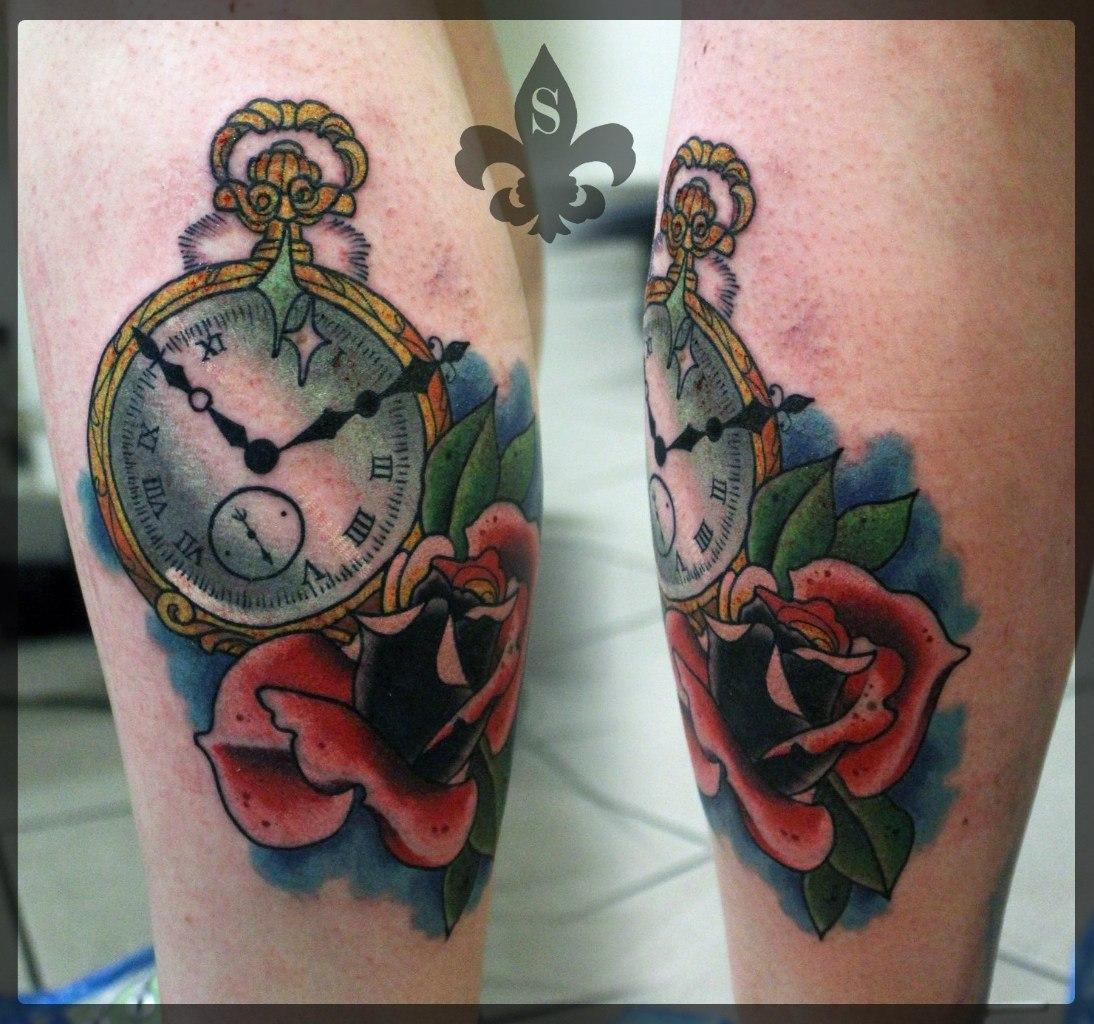 """Художественная татуировка  """"Часы и роза"""" от мастера Александра Соды."""