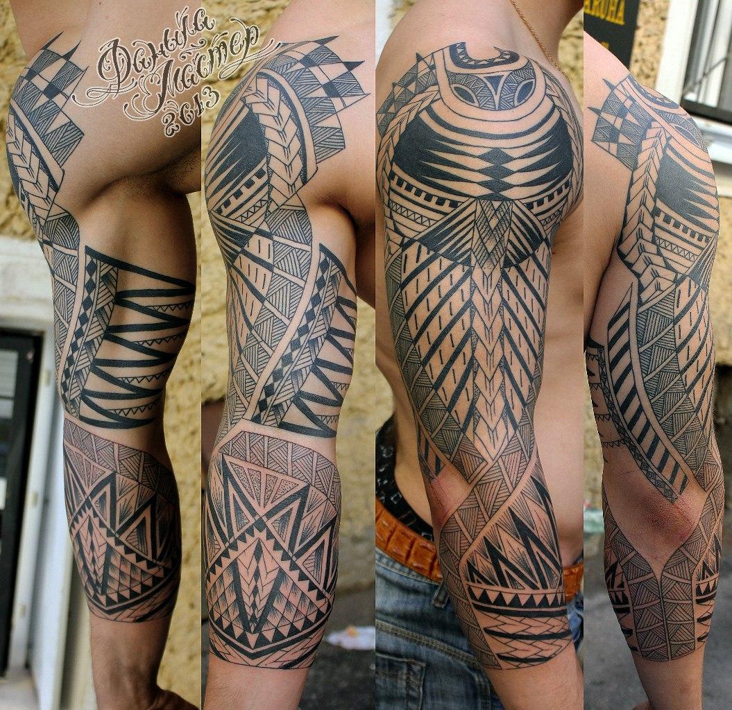 Орнаментальная татуировка от Данилы-мастера.