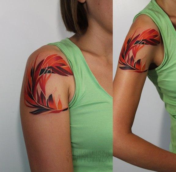 Художественная татуировка «Перо Феникса». Мастер Саша Unisex.