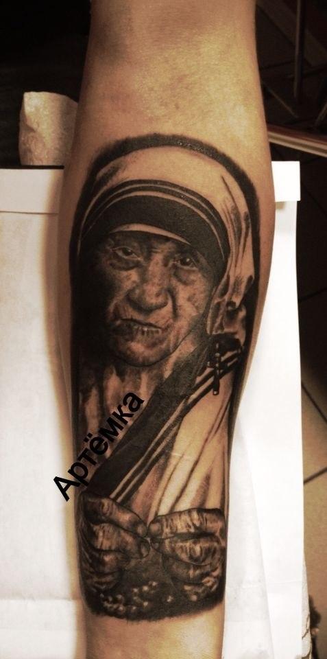 Татуировка Дева Мария. Мастер Артем Михайлюта.