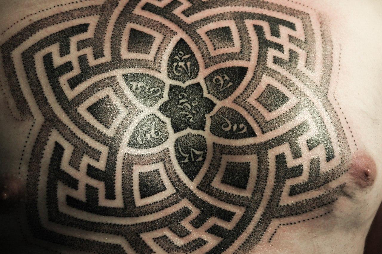 "Татуировка ""орнамент"". Мастер Ярослав."