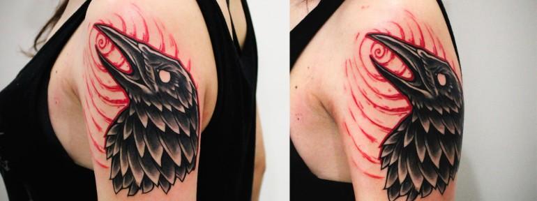 Художественная татуировка «Ворон». Мастер Денис Марахин.