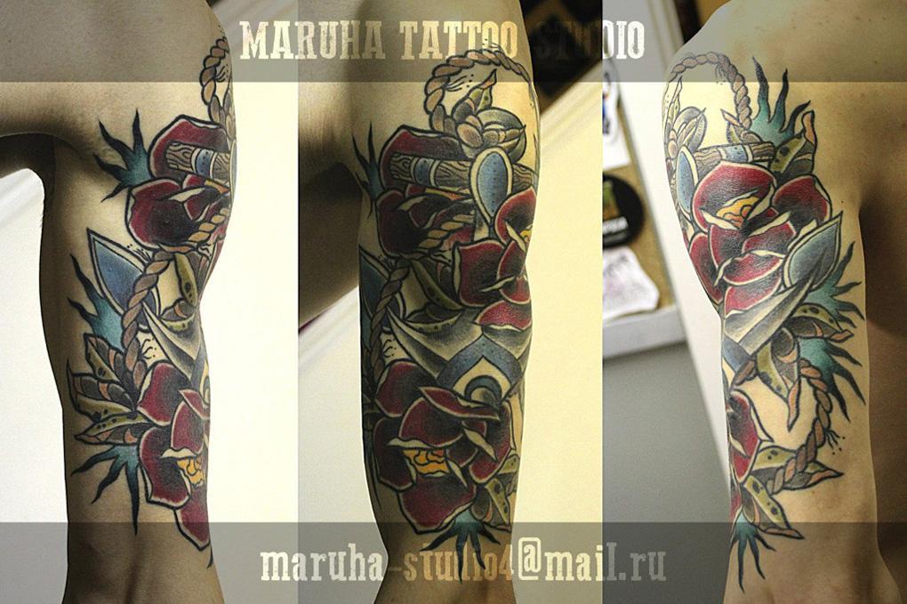 Художественная татуировка якорь с розами. Мастер Валера Моргунов.