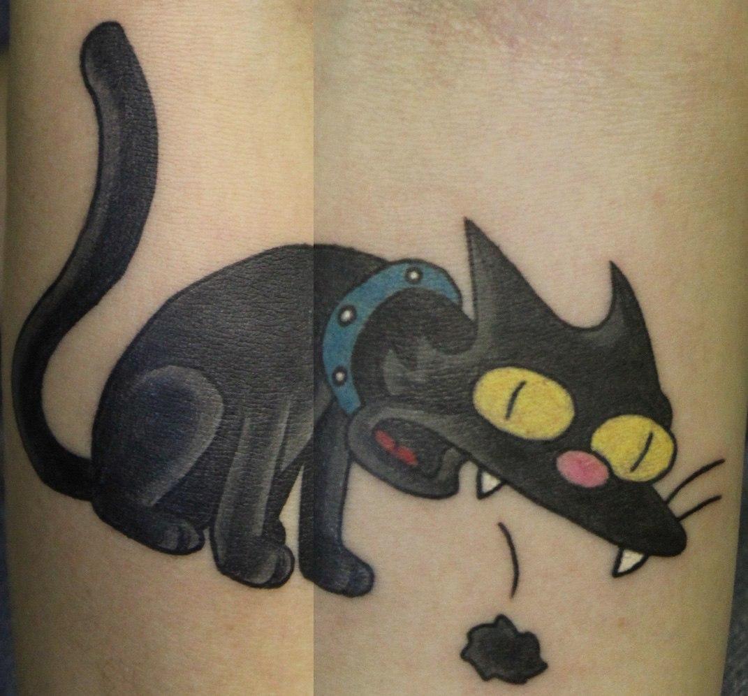 """Художественная татуировка """"The Simpsons cat"""". Мастер Андрей Бойцев."""