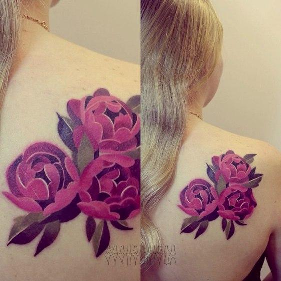 Художественная татуировка Пионы от мастера Саши Унисекс