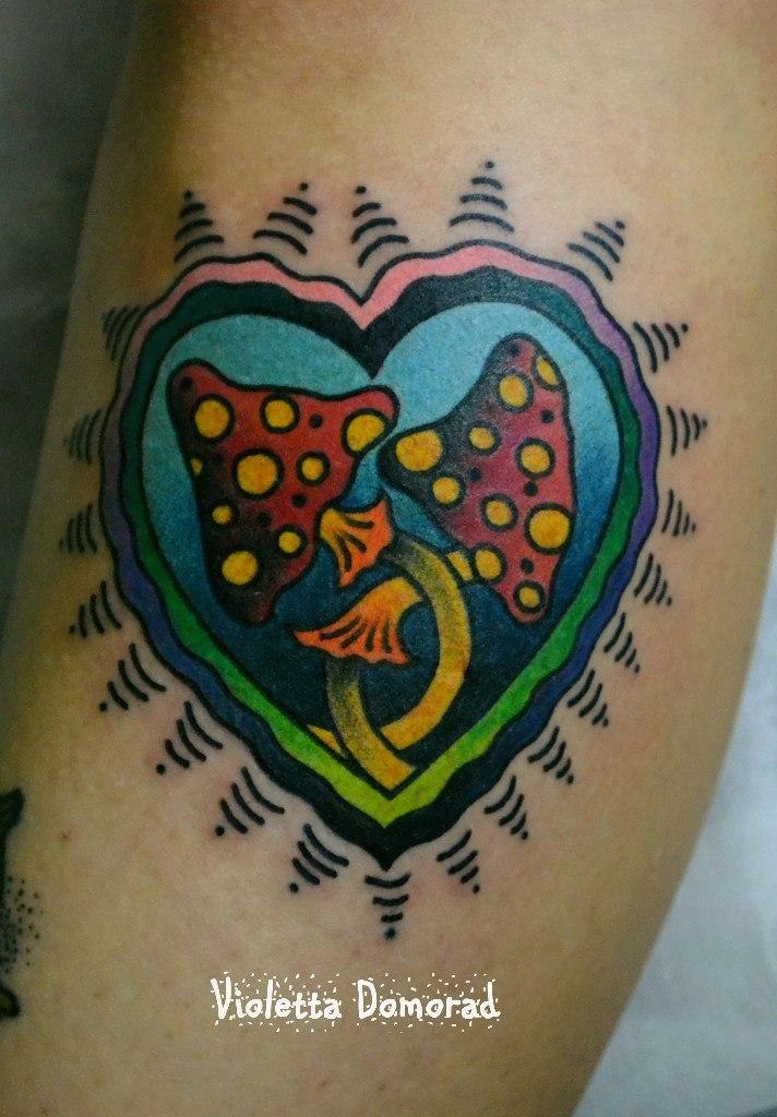 Татуировка «грибы». Мастер Виолетта Доморад.