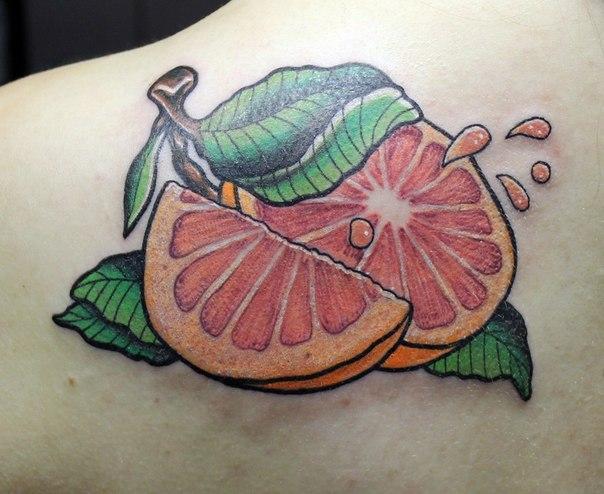 Художественная татуировка «Грейпфрут» от Андрея Бойцева