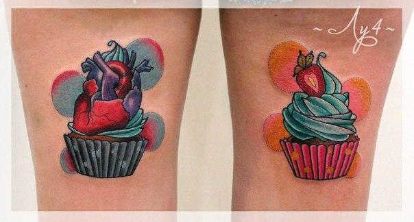 Художественная татуировка «Пирожные». Мастер Катя Луч.