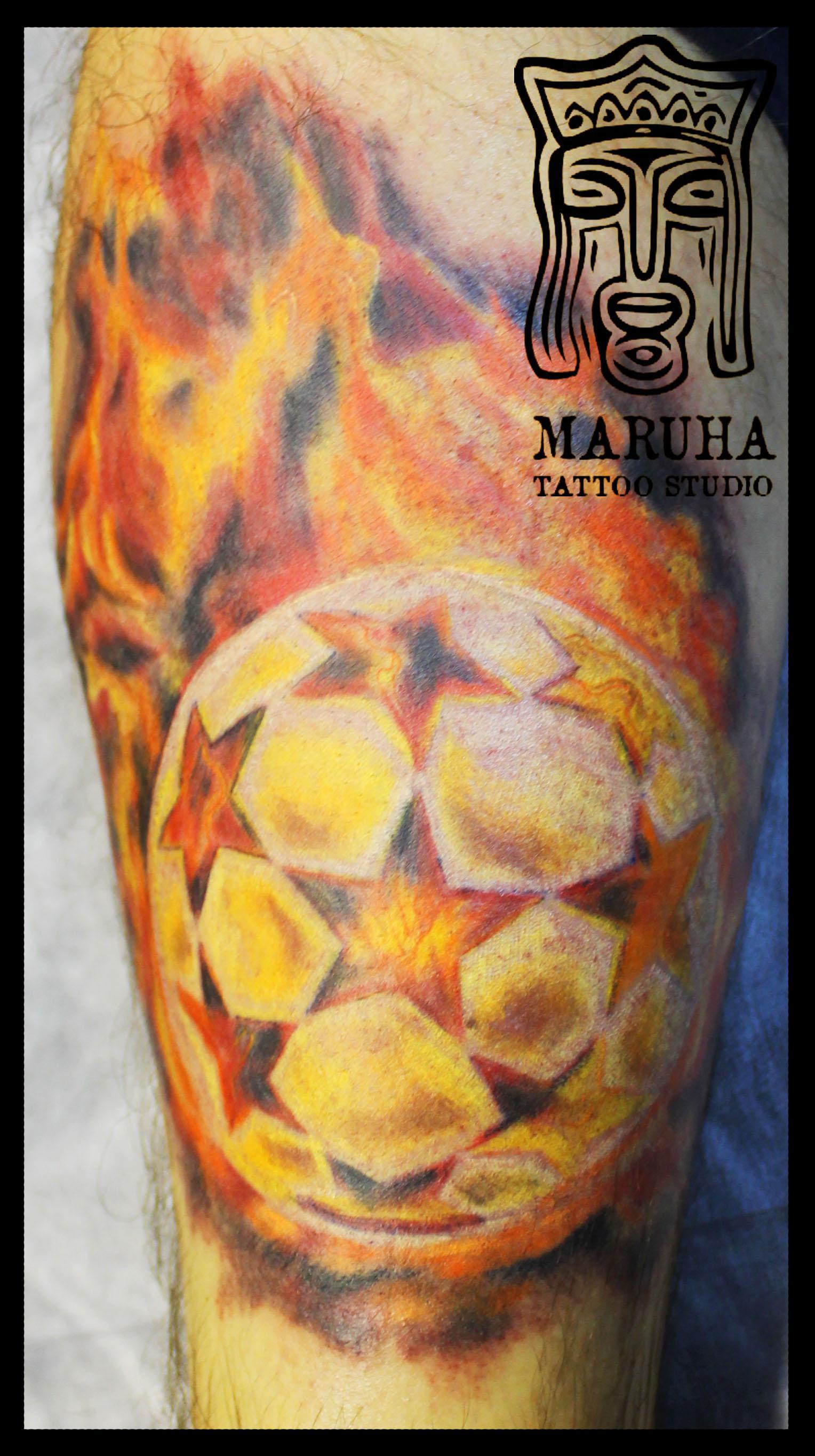 Художественная татуировка Мяч в огне от Андрея Бойцева