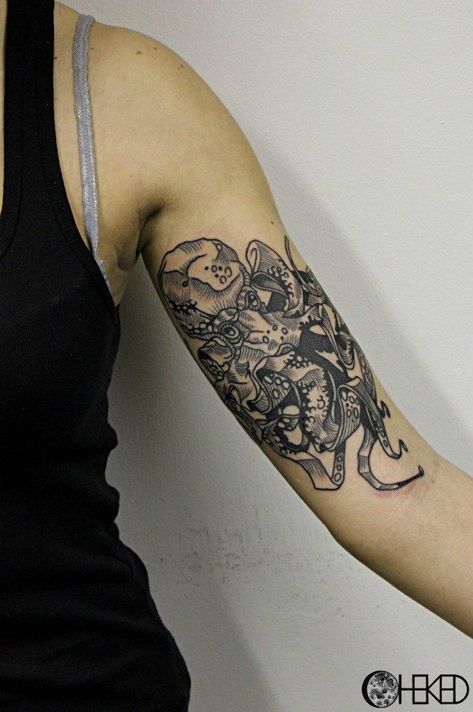 """Художественная татуировка """"Осьминог"""". Мастер Алиса Чекед."""