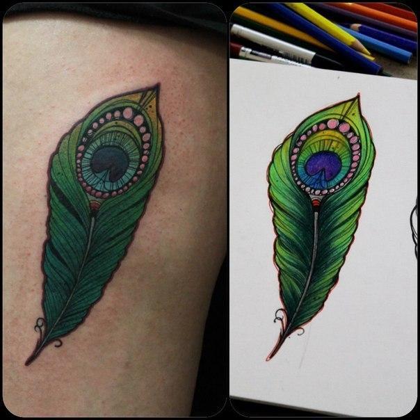Художественная татуировка «Перо». Мастер Саша Новик.