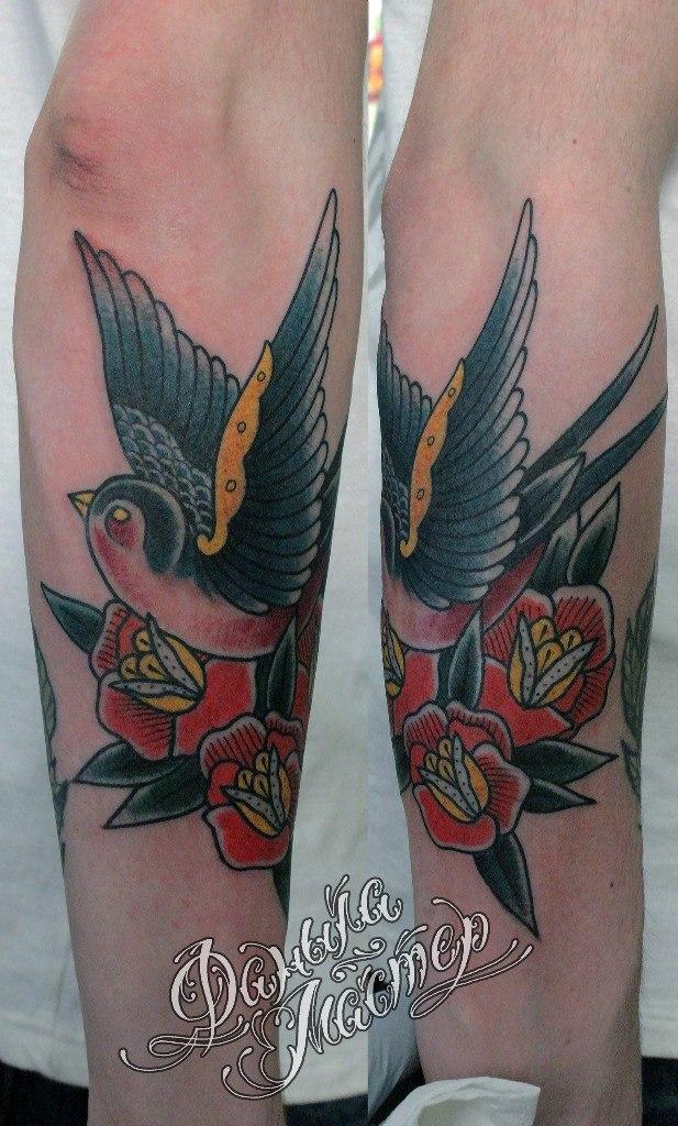 Художественная татуировка «Ласточка» от Данилы-Мастера