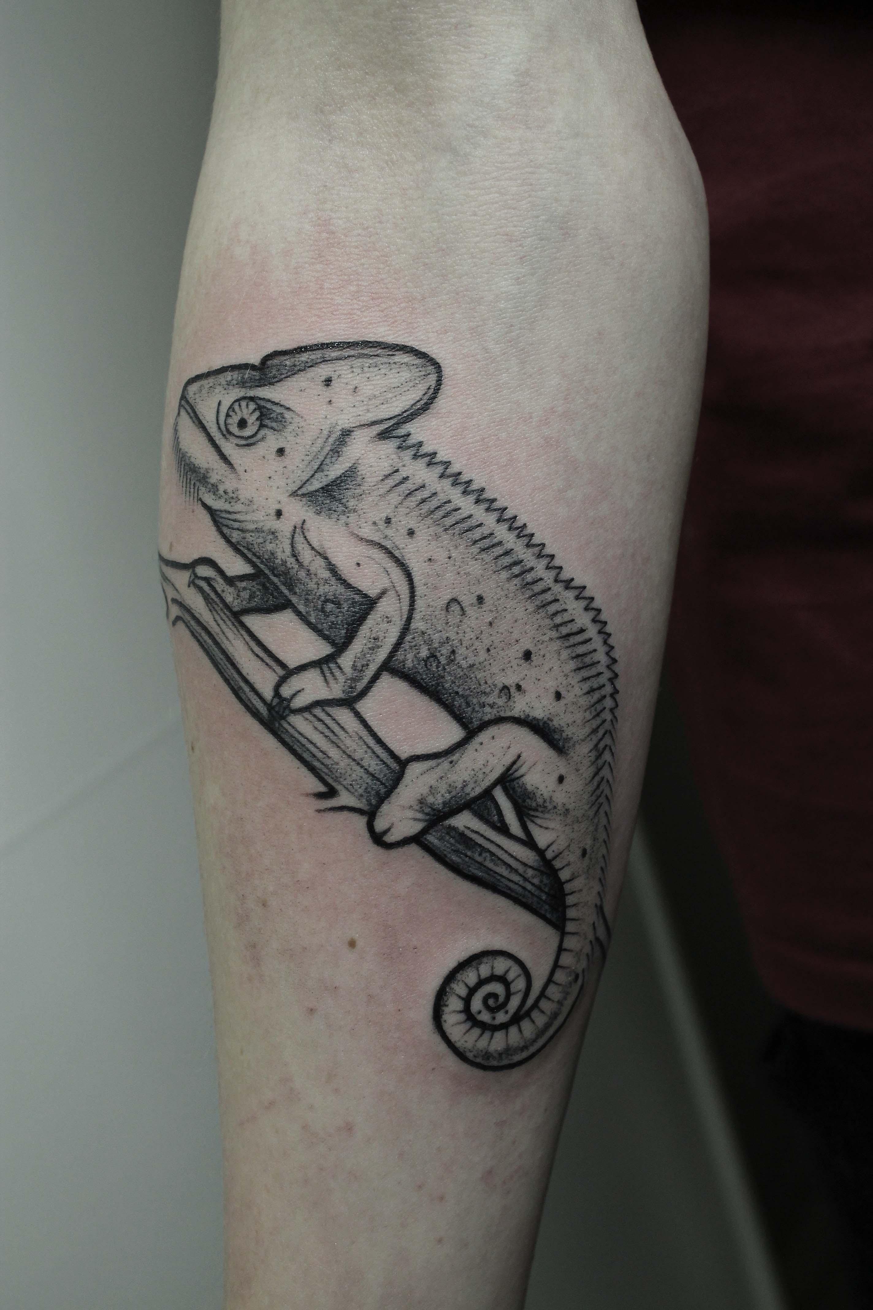 """Художественная татуировка """"Хамелеон"""" в исполнении Вовы Snoop'a."""