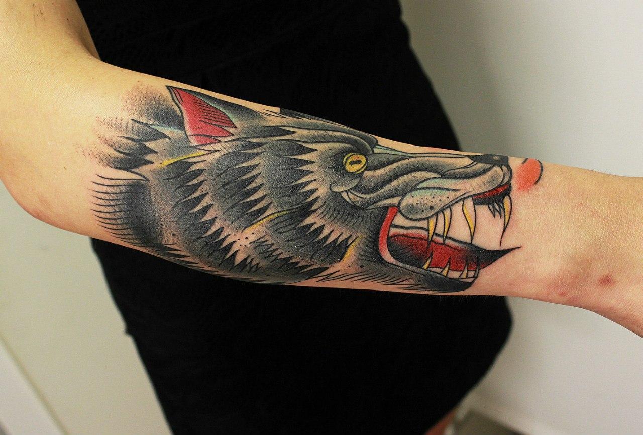 """Художественная татуировка """"Волк"""". Мастер Вова Snoop."""