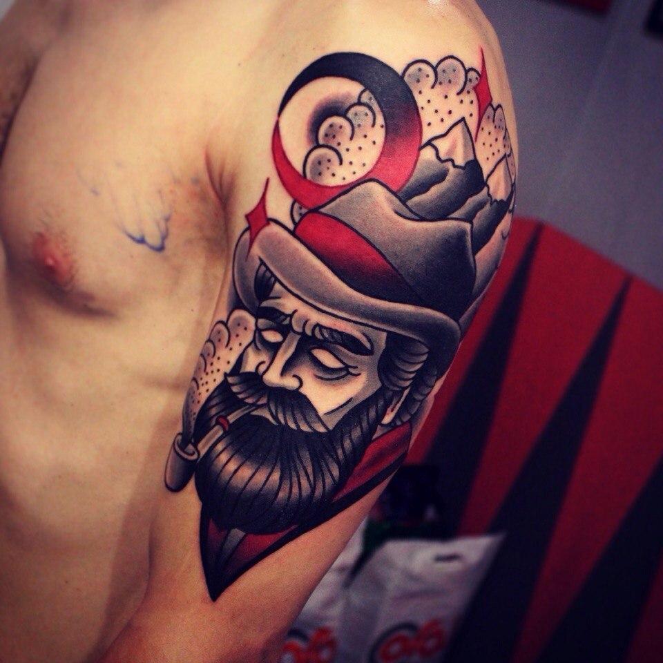Художественная татуировка «Мужчина в горах». Мастер Денис Марахин.