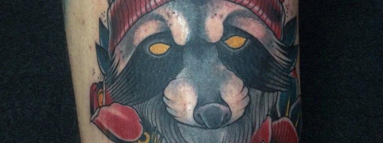 Художественная татуировка «Енот» от Данилы-Мастера