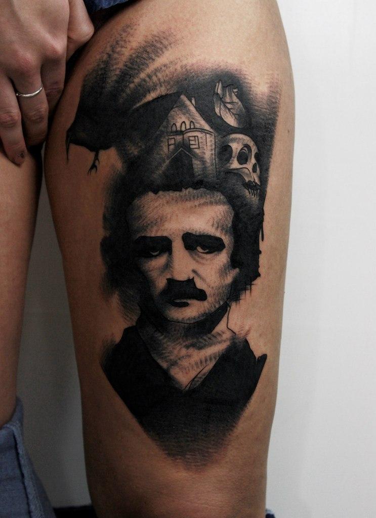 """Художественная татуировка """"Эдгар Аллан По"""". Мастер Вова Snoop."""