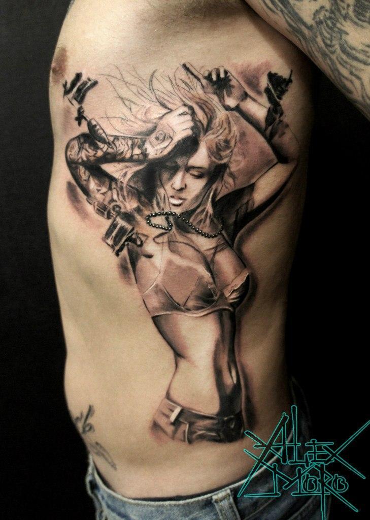 """Художественная татуировка """"Девушка и тату"""" от Александра Морозова"""