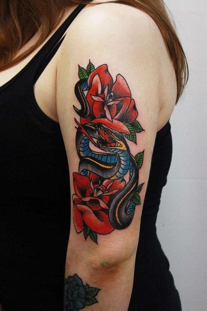 """Художественная татуировка """"Змея"""" от Евгения Константинова."""