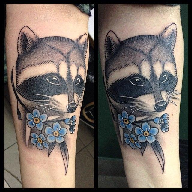 """Художественная татуировка """"Енот"""". Мастер Павел Заволока."""