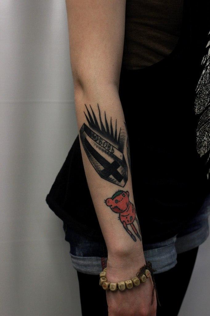 """Художественная татуировка """"Любовь"""". Мастер Вова Snoop."""