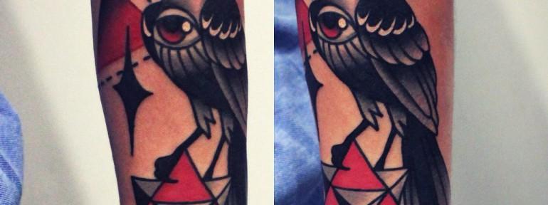 Художественная татуировка «Птица». Мастер Денис Марахин.
