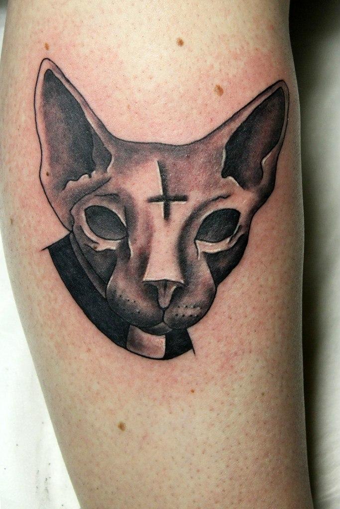 Художественная татуировка «Сатанинский котик». Мастер Нияз Фахриев.