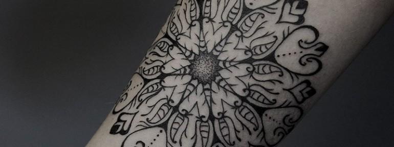 Художественная татуировка «Мандала». Мастер Ксения Jokris.