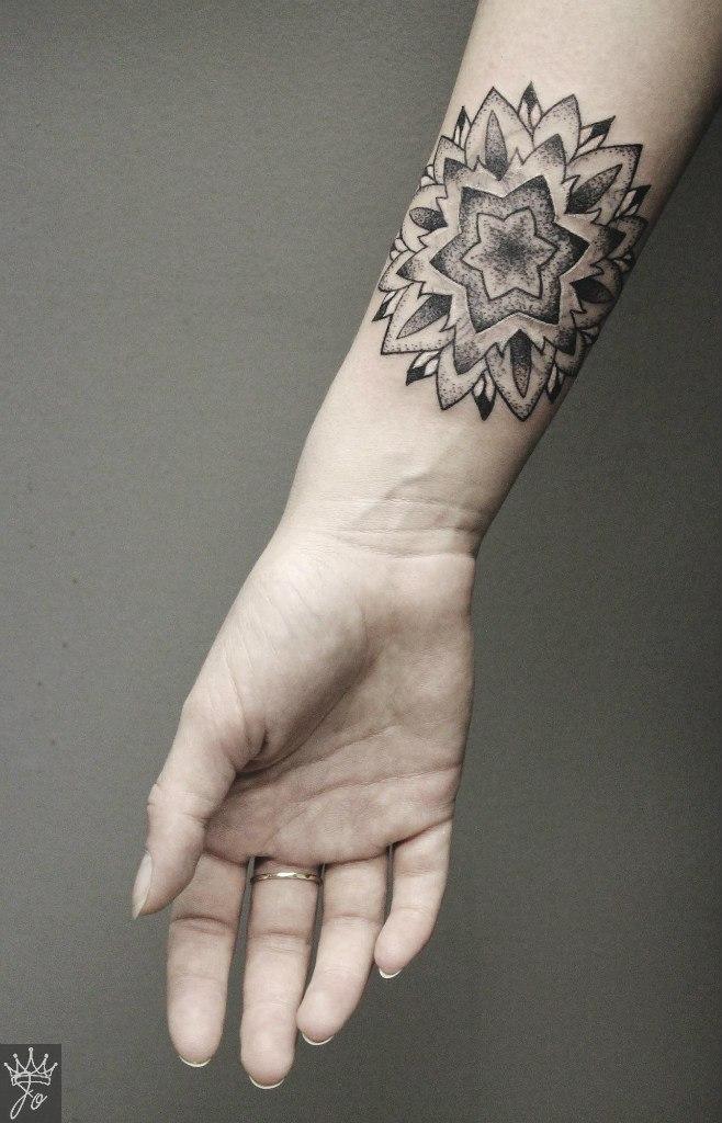 """Художественная татуировка-перекрытие """"Мандала"""". Мастер Ксения Jokris."""