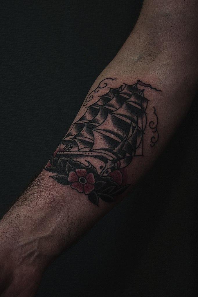 """Художественная татуировка """"Корабль"""" от Валеры Моргунова"""