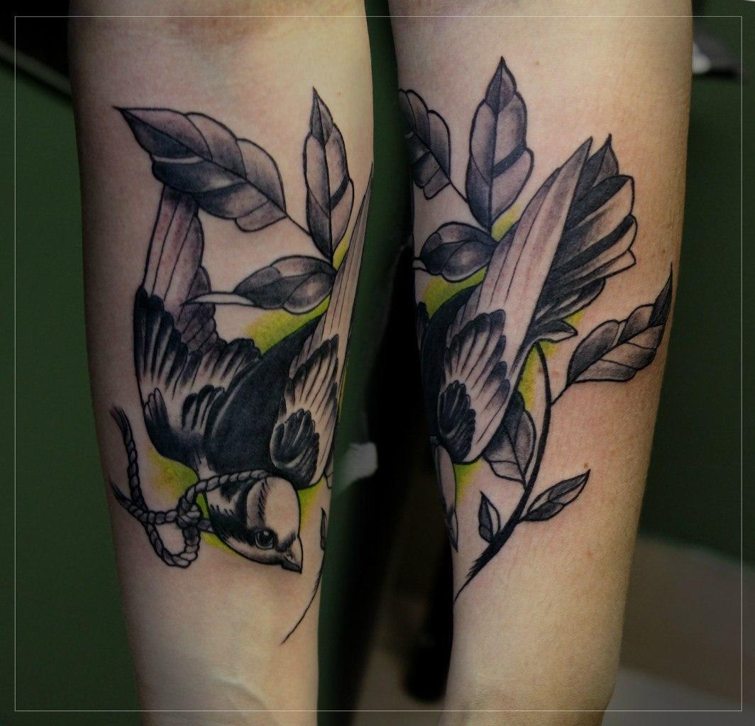 """Художественная татуировка """"Птичка на ветке"""". Мастер Мария Скляр."""