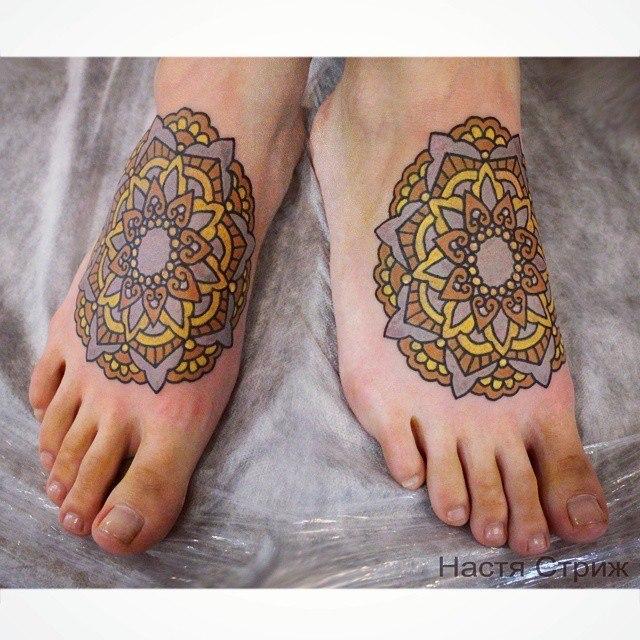 Художественная татуировка «Мандала». Мастер — Настя Стриж