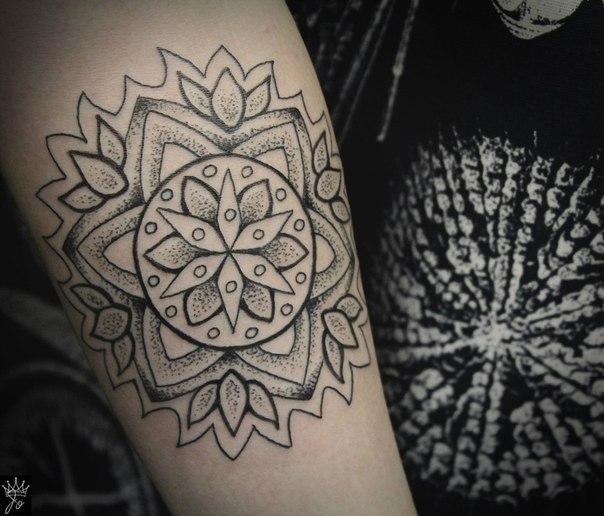 """Художественная татуировка """"Мандала. Мастер Ксения Jokris."""