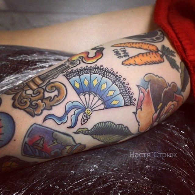 Художественная татуировка «Веер». Мастер Настя Стриж.