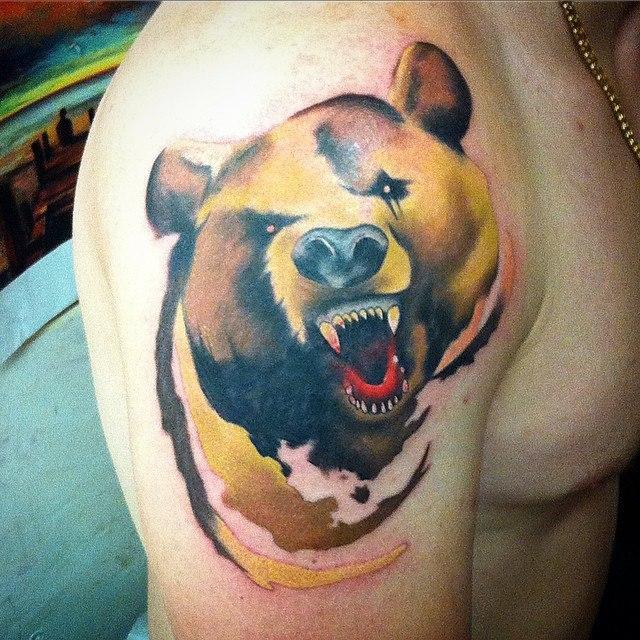 """Художественная татуировка """"Медведь"""" от Евгения Химика"""