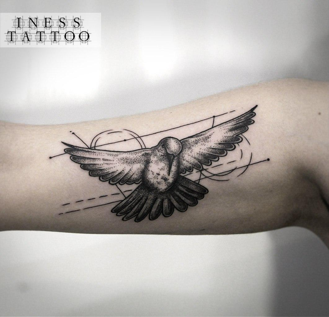 Художественная татуировка «Колибри». Мастер — Инесса Кефир